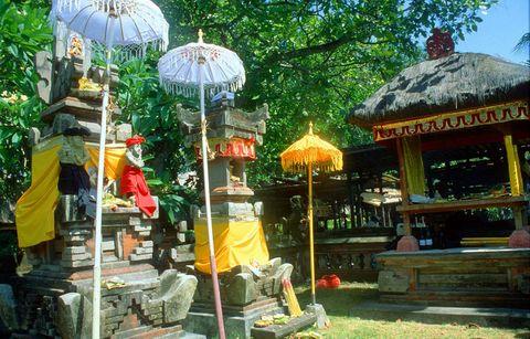о. Бали, Деревенский Храм