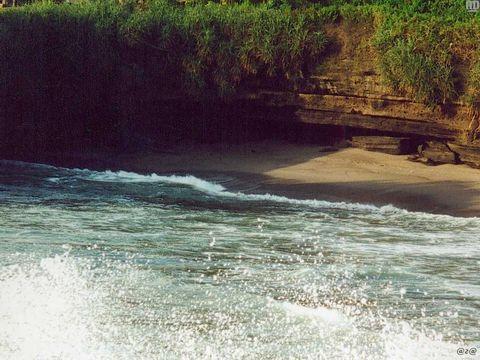 о. Бали, Берег
